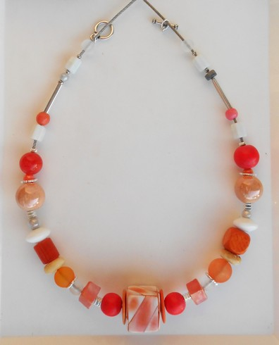 Collier rond rouge et orange, réf. C  104